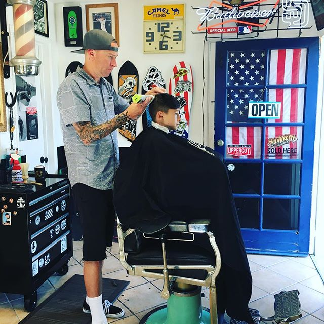 Shop is open till 3 today.  I have a spots left if you need a cut.  Hit me up.  Happy Saturday. 🏼🤘#blkhrtbarbershop #fatherson #usa #budweiser #vans #padres #woodythebarber